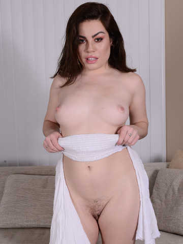 Veronica Valentine in latinas
